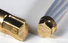 Fiche Banane QED Airloc abs banana plug plaqué or 24k noyau laiton cuivre à sertir haute pression cable 4mm2 5,5mm2 2.5mm2