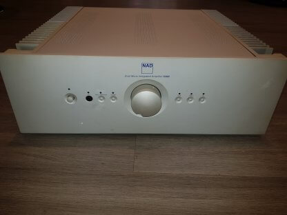 Ampli NAD S300 D'OCCASION amplificateur intégré serie silver 2x100 watts télécommande double mono montage symétrique xlr rca
