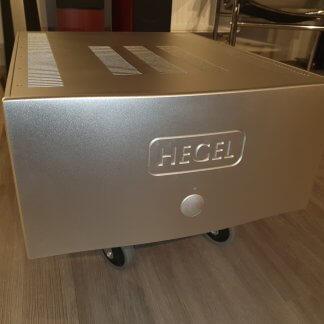 Ampli HEGEL H30 d'occasion amplificateur de puissance de seconde main 1100 watts mono 2x550 W stereo couleur silver bridgeable entrée symétrique xlr rca
